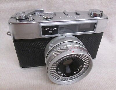 VINTAGE YASHICA MINISTER III 35mm CAMERA and CASE