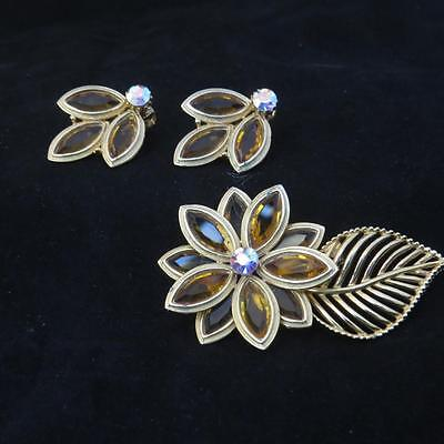 Vintage Floral Brooch & Clip-on Earrings Set - Gold Tone Rhinestones  [J58-77]