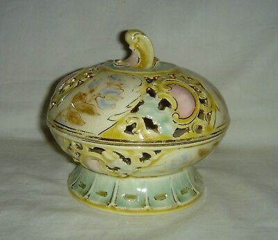 Pretty Rare Antique Zsolnay Pecs Hungarian Reticulated Lidded Pot Pourri Box