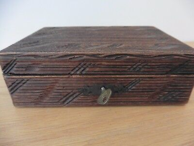 Italian WW2 Somerset Prisoner of war made folk art wooden trinket box with key
