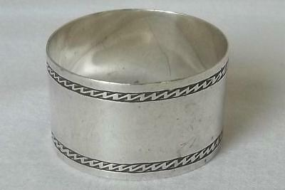 A Fine Antique Solid Sterling Silver Napkin Ring Sheffield 1910 By Walker & Hall