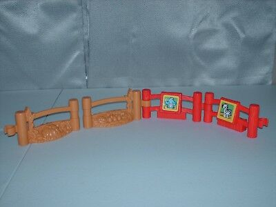 LOT OF 4 Fisher Price Little People FENCES FOR BARN OR FARM OR ZOO