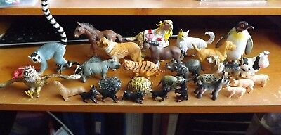 Selection of plastic animals, 31 altogether, varous sizes and animals.