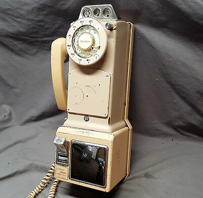 Retro Vintage beige tan dial payphone three 3 slot coin Northern Electric