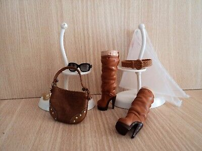Barbie Fashionistas Brown Boots, Bag, Belt, Glasses, A Bangle and a White Scarf