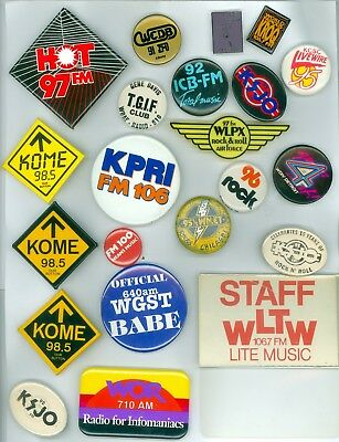 19 Vintage 70s-80s Radio Station Ad Pinback Buttons 2 Lapel Pins &1 Badge WLTW