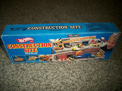 Vintage 1982 Mattel Hot Wheels Construction Site Sto N Go Playset #4100 In Box