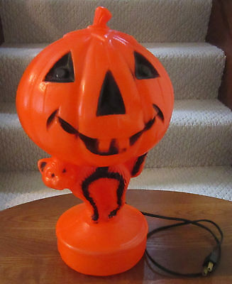 Nice Vintage Halloween Lighted Blow Mold Jack O Lantern Atop a Cat, 14 Inch