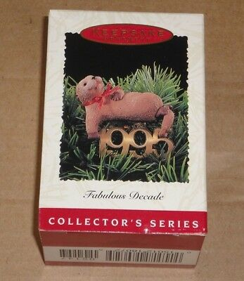 HALLMARK KEEPSAKE ORNAMENT ~ FABULOUS DECADE 1995 ~ SIXTH in SERIES *NEW