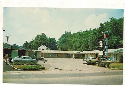 Wise Motor Lodge, Rt. 19, Fairmont WV Marion County Postcard 101517