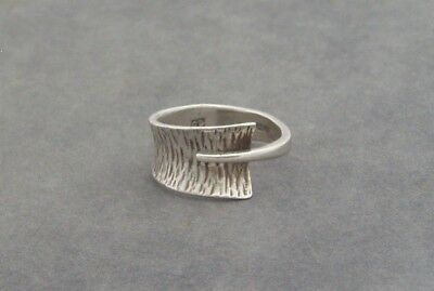 Modernist British Silver Ring Texture Decoration Cd Sheffield 1975
