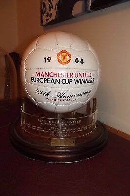 25th ANNIVERSARY MANCHESTER UNITED 1968 EUROPEAN CUP WINNERS FOOTBALL (SIGN)