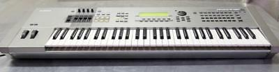 Yamaha MOTIF ES6 61-Key Music Production Synthesizer