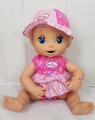 2006 Baby Alive Doll blonde eats poops soft face with outfit