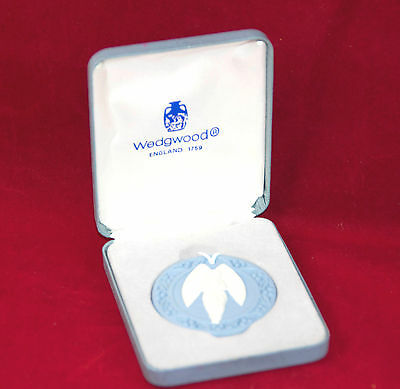 Wedgwood Jasperware Blue & White Holiday Christmas Ornament 1989 Angel with Box