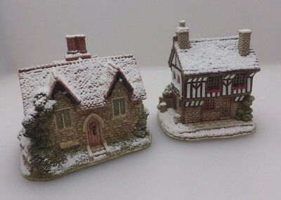 2 Lilliput Lane Christmas Cottages - Wassail Lodge L2887 & Christmas Punch L2947