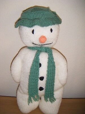 ~ The Snowman ~ ( Raymond Briggs ) Knitted Figure ~