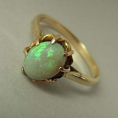 Pretty Antique Edwarian 9Ct Gold & Opal Ring
