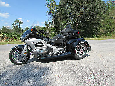 2012 Honda Gold Wing  2012 HONDA GOLDWING GL1800 NEW  ROADSMITH HTS1800 TRIKE WITH RUNNING BOARDS