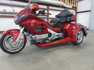 2016 Honda Gold Wing  2016 HONDA GOLDWING GL1800 NEW  ROADSMITH HTS 1800 TRIKE WITH RUNNING BOARDS
