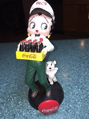 Coca-Cola BETTY BOOP Delivering Coke with PUDGY Bobble Head 2001