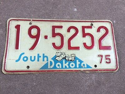 1975 Clay County South Dakota license plate