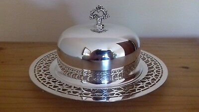 Gorgeous Wm A Rogers Silver Plate Pierced Entree / Butter / Muffin Serving Dish