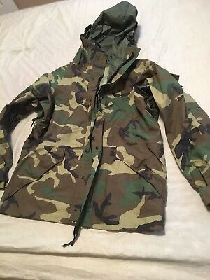 US Military GoreTex Cold Weather Camouflage Parka Large Regular Woodland New