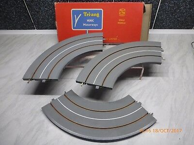 TRI-ANG MINIC MOTORWAY 'OO' 3 x M1611 90deg BENDS IN GREY WITH PAPERWORK - BOXED