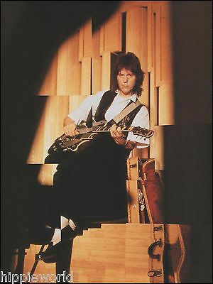 Jeff Beck with Gibson Les Paul Guitar 8 x 11 color pinup photo ready to frame