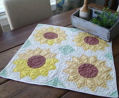"Fall Decor! Vintage Sunflower Crib or Table QUILT 22 1/2"" x 23"""