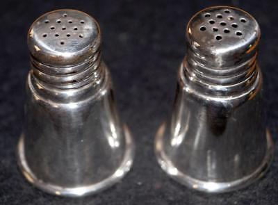International Silver STERLING SILVER SALT and PEPPER SHAKER 35 g Great condition