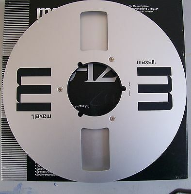 "Retro 10.5 Maxell Metal Spool 1/4"" no tape on reel with box & Labels"