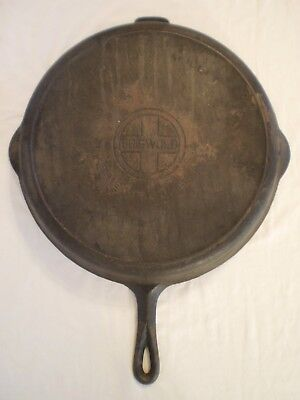 VINTAGE GRISWOLD CAST IRON NO. 14 SKILLET w/ HEAT RING 718
