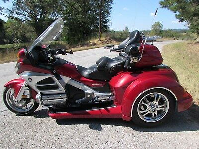 2012 Honda Gold Wing  2012 HONDA GOLDWING GL1800   ROADSMITH HTS1800 TRIKE WITH RUNNING BOARDS