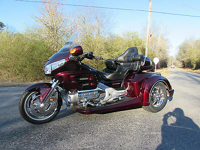 2007 Honda Gold Wing  2007 HONDA GOLDWING GL1800 NEW  ROADSMITH HTS1800 TRIKE