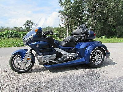 2014 Honda Gold Wing  2014  HONDA GOLDWING GL1800 NEW  ROADSMITH HTS 1800 TRIKE WITH RUNNING BOARDS