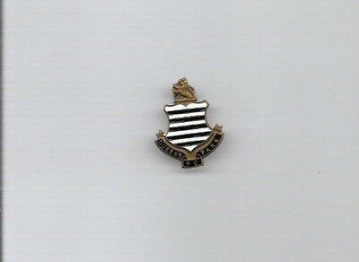 Vintage Football Badge - QUEENS PARK FC (by W.Reeves & Co.)