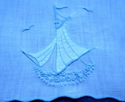 Madeira MARGHAB Fingertip Towel DREAMBOAT, Very Light Blue Embroidery on White
