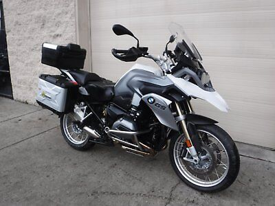 2015 BMW R-Series  2015 BMW R1200GS - Premium package ALL options - R1200 GS - Panniers Low miles