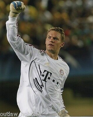 Bayern Munich Manuel Neuer Autographed Signed 8x10 Photo COA A