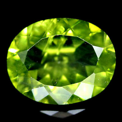 2.76 CT REAL! UNHEATED 8 X 10 mm. GREEN PAKISTAN PERIDOT OVAL