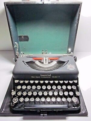 Old Wartime 1942 Vintage Imperial 'good Companion Model T Nice Clean Typewriter
