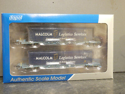 Dapol OO scale B909F Megafret wagon set with 2 x Malcolm 45' containers