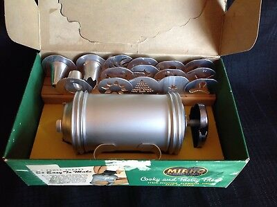 Vintage MIRRO Cooky Pastry Press 12 Discs 3 Tips Original Box Holiday Baking
