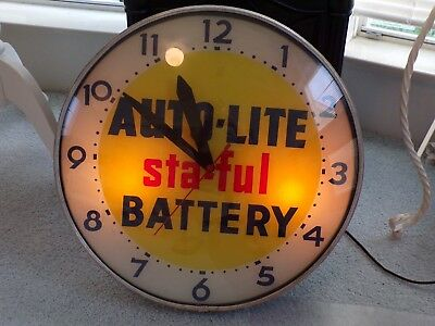Large Vintage Auto Lite Battery Advertising Clock 18 Inch Bubble Glass