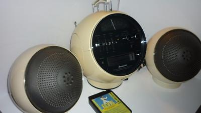 Fleetwood  8 Track AM  FM  Space Age with two ball speaker