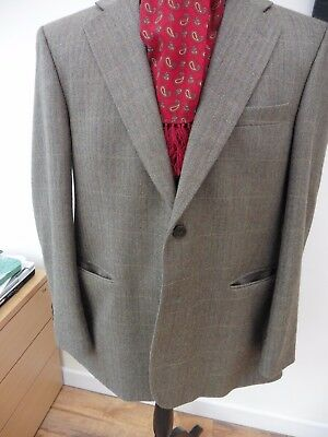 Superb men's size 44 reg M&S quality Olive check pure new wool country jacket