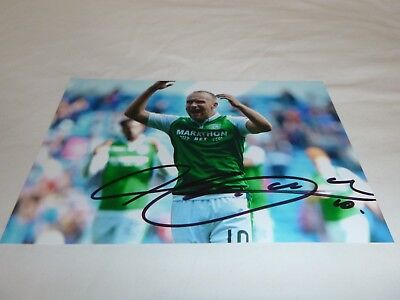 6 X 4 signed photo of Dylan McGeouch of Hibernian FC  2017-18