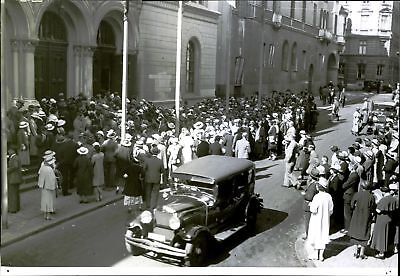 Vintage photo of Large crowds were given turn around without getting into when m